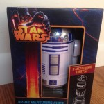 ThinkGeek's Star Wars R2-D2 Meets Your Baking Needs