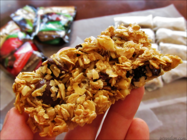 Delicious Almond & Chocolate Cranberry Granola Bars #CollectiveBias