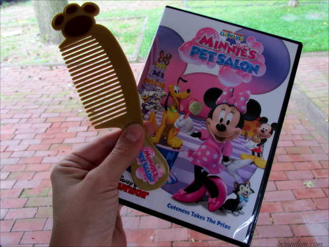 Minnie's Pet Salon Included Comb
